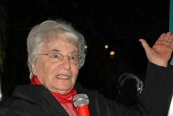 Ruth Weiss und die 1000 Friedensfrauen – Nominierung für den Friedensnobelpreis 2005