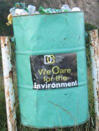 Bild zeigt Abfallbehälter in Zimbabwe